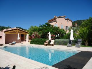 Superb villa by the sea, near Carquerianne, Carqueiranne