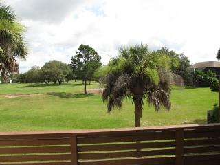 Perfect place to retreat for family SPECIAL 400$/w, Titusville