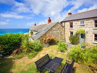 WHITE ROSE , traditional cornish cottage in an amazing location by the beach