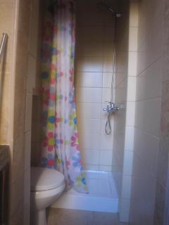 Cottage Village 1 - Bathroom Shower