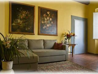 2 bedroom apartment with some of Florence's greatest sights on its doorstep, wifi available, sleeps up to 7, Florencia