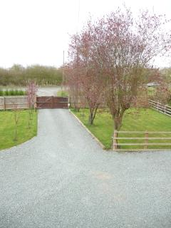 Private secure drive way entrance