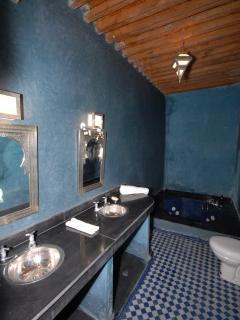 Jacuzzi Room - Bathroom