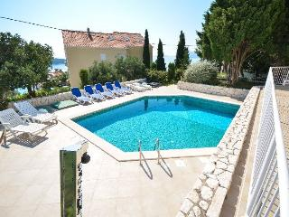 Modern,spacious 4 bedrooms ap. with pool, Cavtat