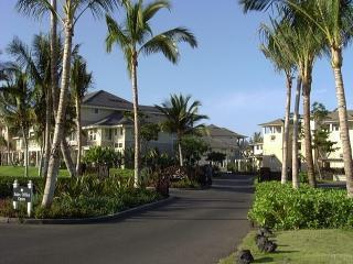 Lovely 2nd Floor Unit on Golf Course, Waikoloa