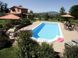 La Pazziella charming villa in roman country, Selci
