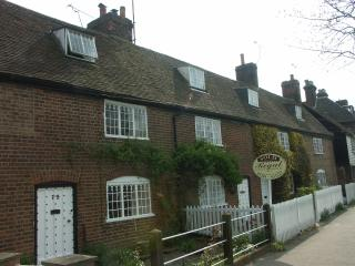 CORNERWAYS COTTAGE, Wingham, Canterbury, Kent 4* Fully equipped self catering