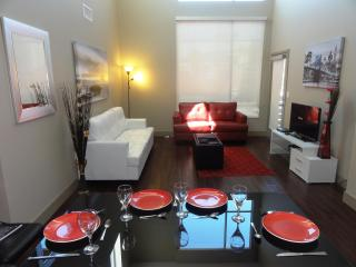 Heaven on Hollywood Boulevard - 3 BR Furnished Apt, Los Angeles