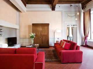 Romantic apartment in Lucca