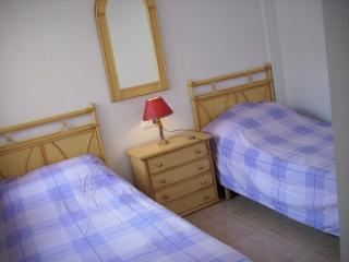 6 very comfy single beds - two in each of the three bedrooms