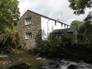 Dipper Cottage: charming riverside mill conversion, dog-friendly and lake access
