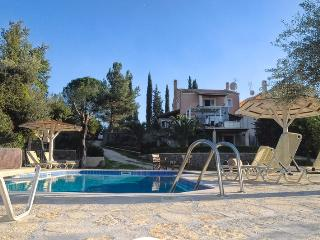 Family Friendly Spacious Villa With Private Fenced Swimming Pool Close To Sea.
