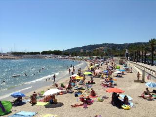 Antibes-les-Pins French Riviera Holiday Apartment