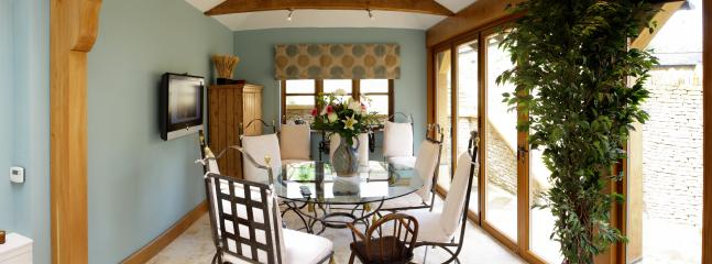 Blakemans Conservatory Dining Room