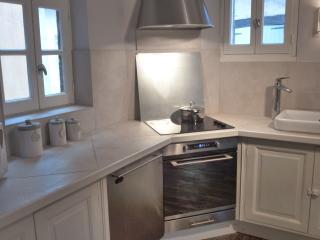The fully equiped kitchen-Les terrasses de Vazerac