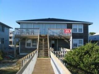 7bdrm/3 full bath Home on the Beach!, North Myrtle Beach