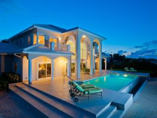 SunCloud Private Modern Ocean Frt. Home on 2 acres, Grand Cayman