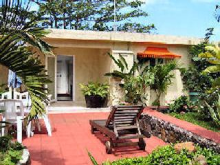 Bungalow Rhys: (Bed & Breakfast accommodation), Anse Jonchee