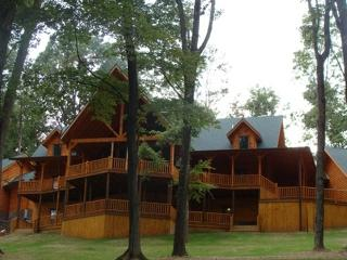 Majestic Oaks Lodge, Logan