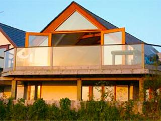 The Beach House - Fistral - Rockpool Holidays