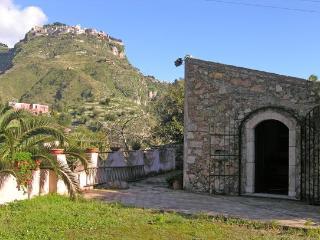 2 bedroom Villa in Mastrissa, Taormina, Sicily, Italy : ref 2230205