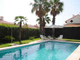 Private swimming pool and very well maintained garden