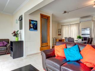 Stunning 3-Bedroomed Penthouse
