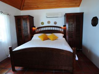 Private, Romantic Ocean Front Beach Houses, Chub Cay
