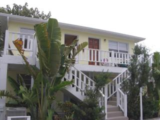 Affordable Vacation Rentals  Steps From the Gulf!, Indian Rocks Beach