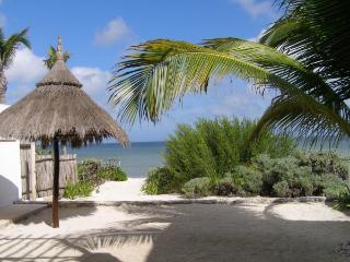 Telchac Puerto--Villa de Brisas Marinas-Beachfront