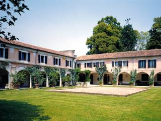 Apartment at Villa Colloredo, City of Venice