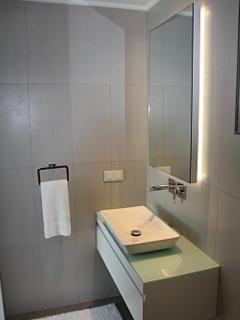 Ensuite Bathrooms With Power Showers