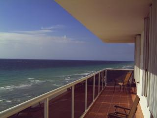 Magnificent ocean view from 60'terrace & rooms, Bay Harbor Islands