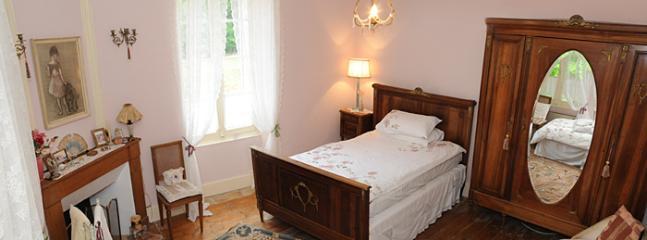 Twin bedroom 3 (Maison)