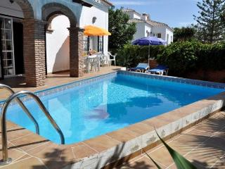 3B 2BTH Villa private pool AC WiFi Parador area Nerja HLJAS
