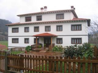 Apartamentos la Bardenilla, Panes