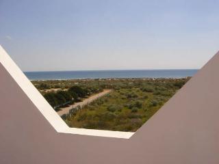 Beach apartment Praia Lota near the seas; with use of pool and sea view /  Wifi