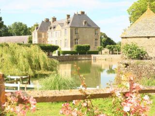 Chateau de Courcy, Fontenay-sur-Mer