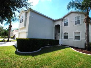 Halcyon Days, great location near to all amenities, Fort Myers