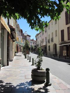 The Town, Thuir