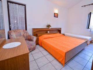 Apartment in Novalja for 5pax - Cola V2 (3+2)