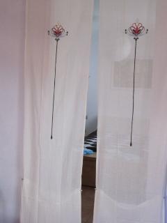 Separacion de Dormitorio y salón