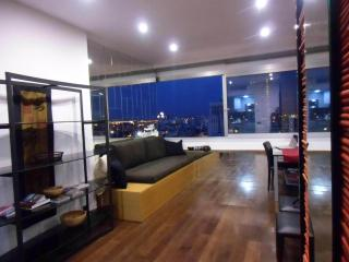 Japanese-Asiatic design using the finest materials, with a view on living comfort.