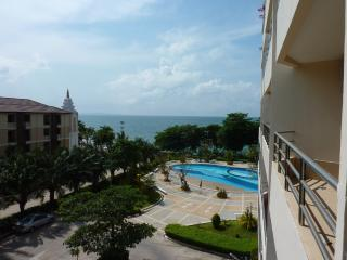 Luxury condo on the Beach Front, Pattaya