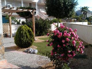 Bajo con jardín privado, 3 habitaciones, Águilas., Aguilas