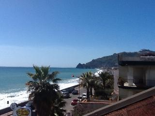 Vacation Rental in Sicily ap.B, Santa Teresa di Riva