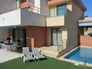 Amazing Villa with 4 bedrooms and Swiming Pool, Albufeira