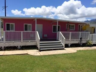 Pink House, Waialua