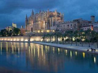 MODERN PALMA CENTER APARTMENT, Palma de Mallorca