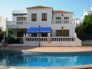 Affordable Luxury - Royal Palm, Los Cristianos